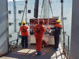 【设备吊装】-高精密全自动贴合机吊装 搬运案例